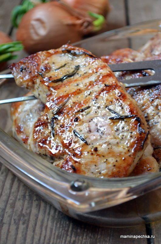 Мясо с розмарином в духовке
