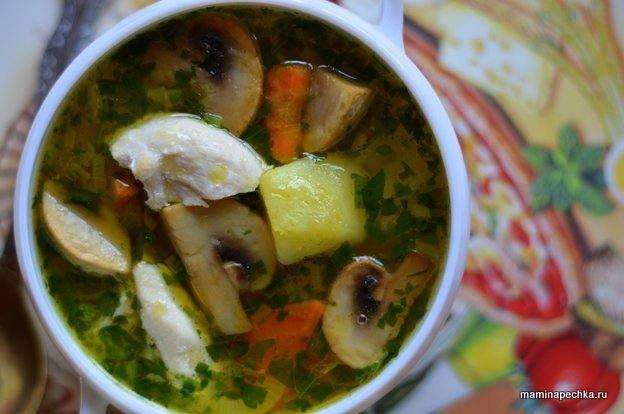 Соус с курицей и грибами