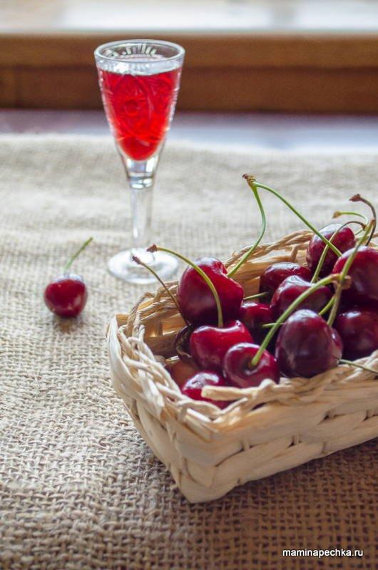 Настойка на водке из замороженной вишни
