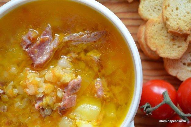 Суп с копчёными свиными рёбрами и чечевицей
