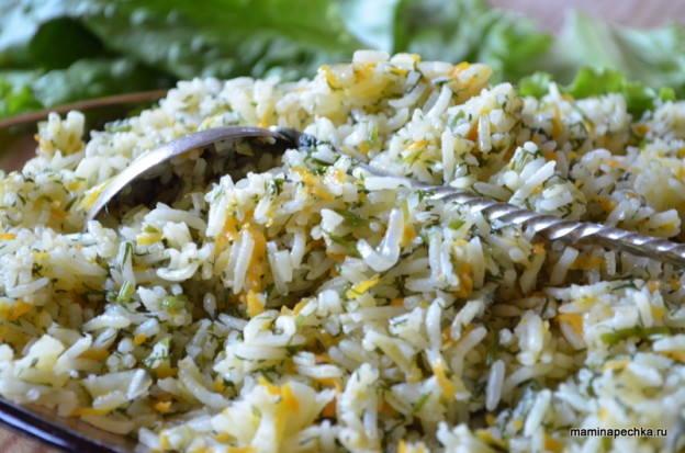 рис с луком, морковью и укропом