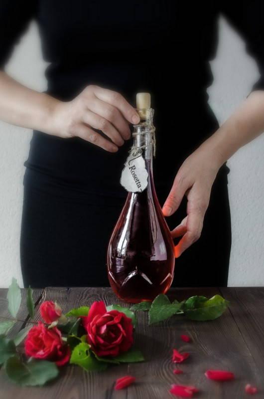 Ликёр из лепестков розы