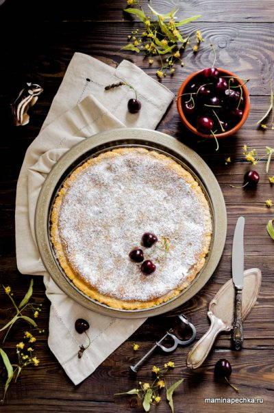 Пирог с ягодами и франжипаном